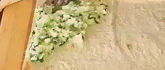 Адыгейский сыр в лаваше на сковороде