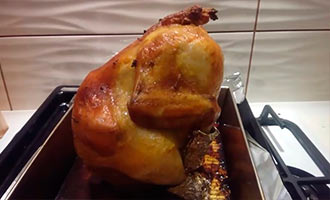 курица на банке с водой из духовки