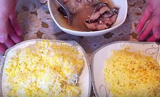сыр и яйца на терке