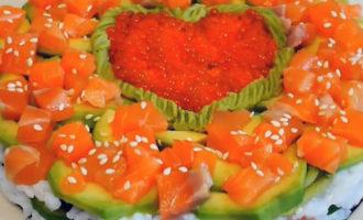новогодний салат-суши