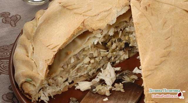 курник с рисом и грибами
