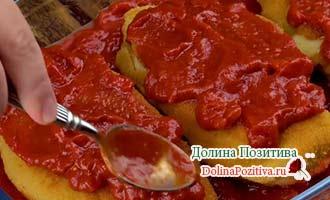 томатный соус с курицей