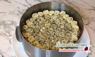 слой блинчиков в салате
