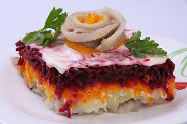 салат с розой