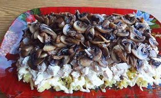 в салате слой грибов
