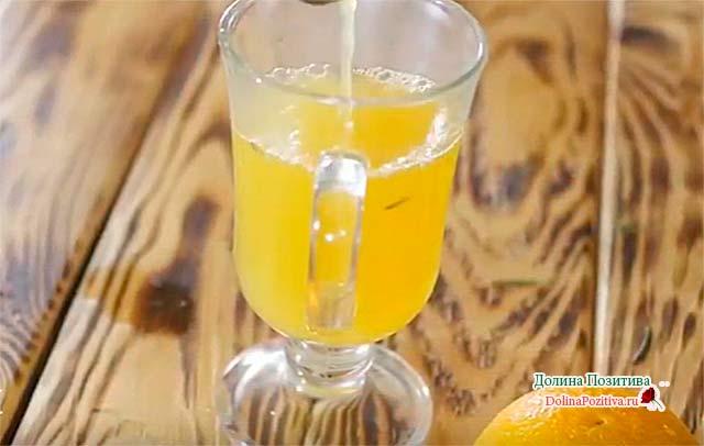 безалкогольный напиток с розмарином