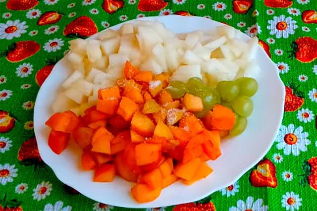 фрукты кусочками