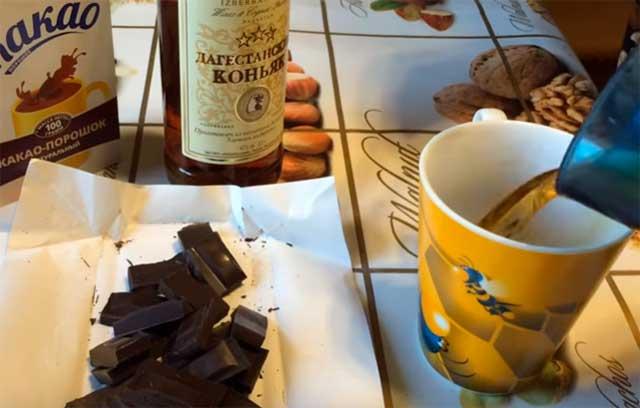 Вишневое варенье с шоколадом и коньяком